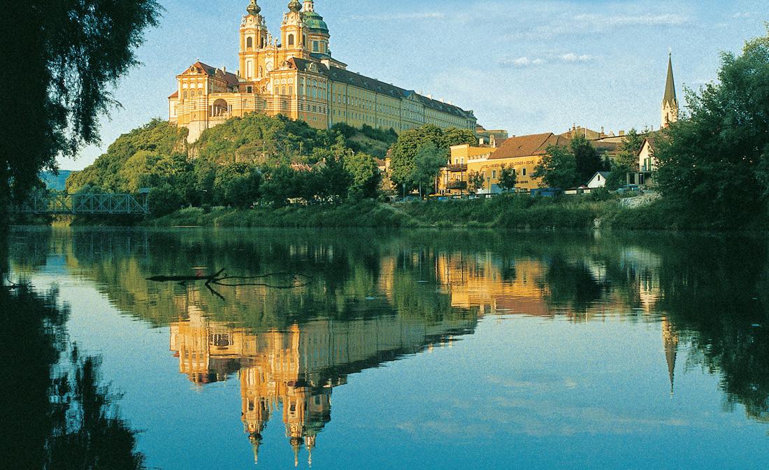 L 39 abbazia di melk in austria tra castelli e vecchie case for Case che sembrano castelli