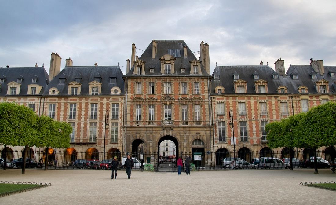 Il marais di parigi da place des vosges al p re lachaise for Hotel zona marais parigi