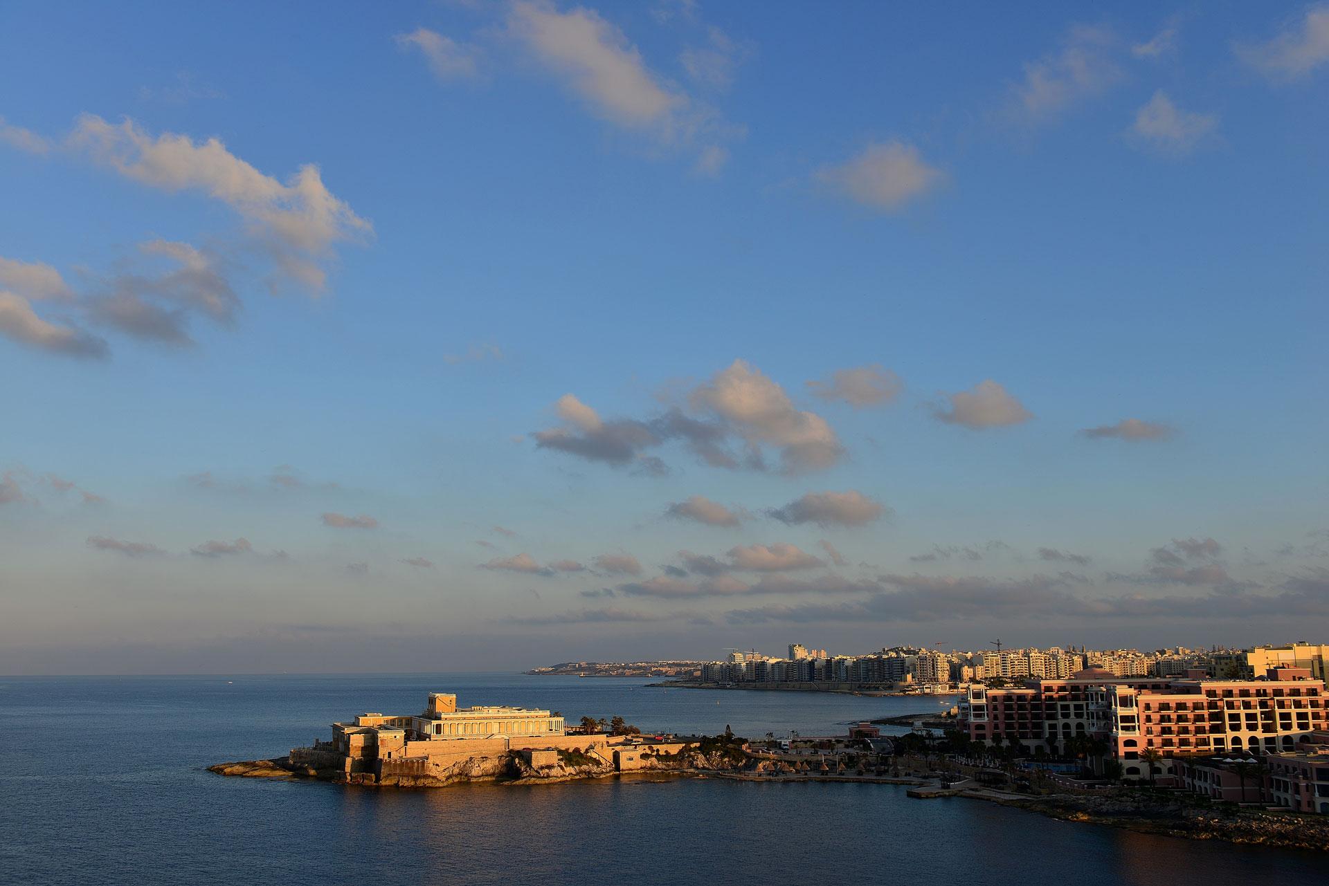Viaggio-a-Malta-e-Gozo-tra-spiagge,-storia-e-monumenti---le-città-e-il-mare