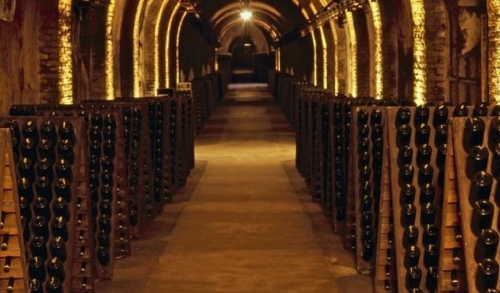 Viaggio in Champagne, Cave di campagne a Epernay