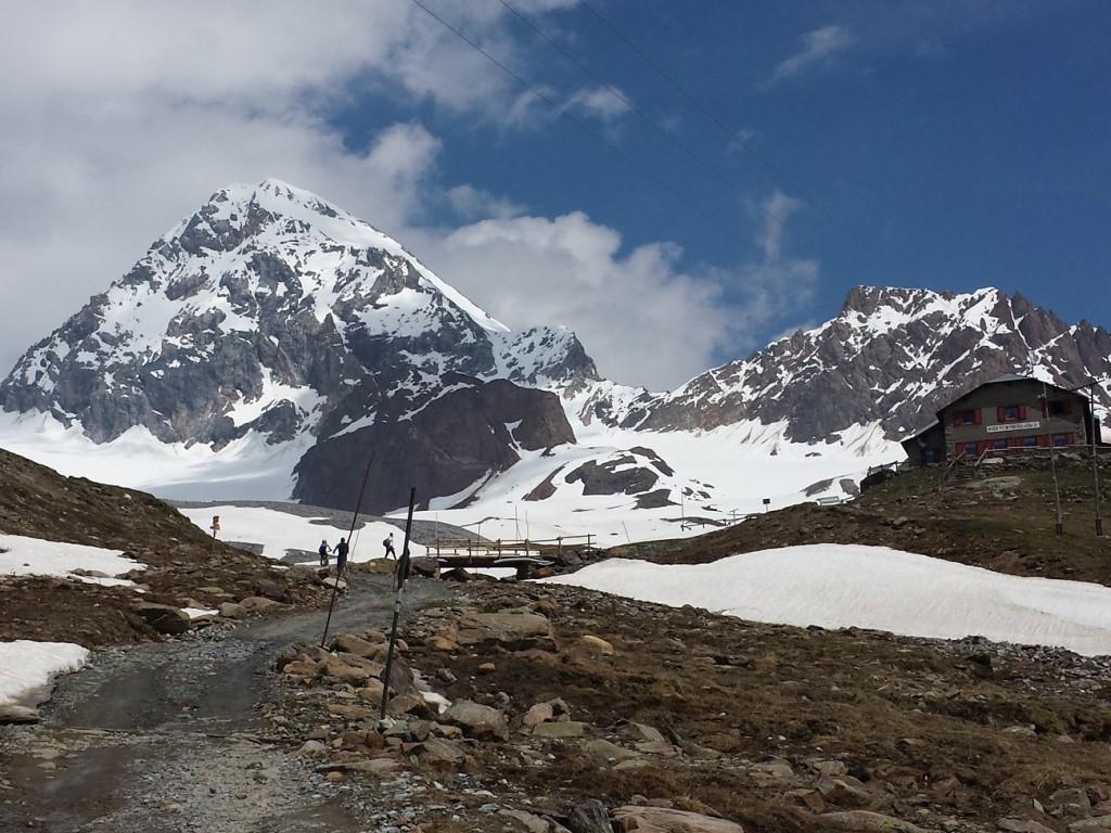 Guidai rifugi più belli delle Alpi - Pizzini