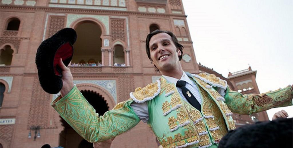 guida di Madrid - un torero trionfa alla plaza de toros de Las Ventas