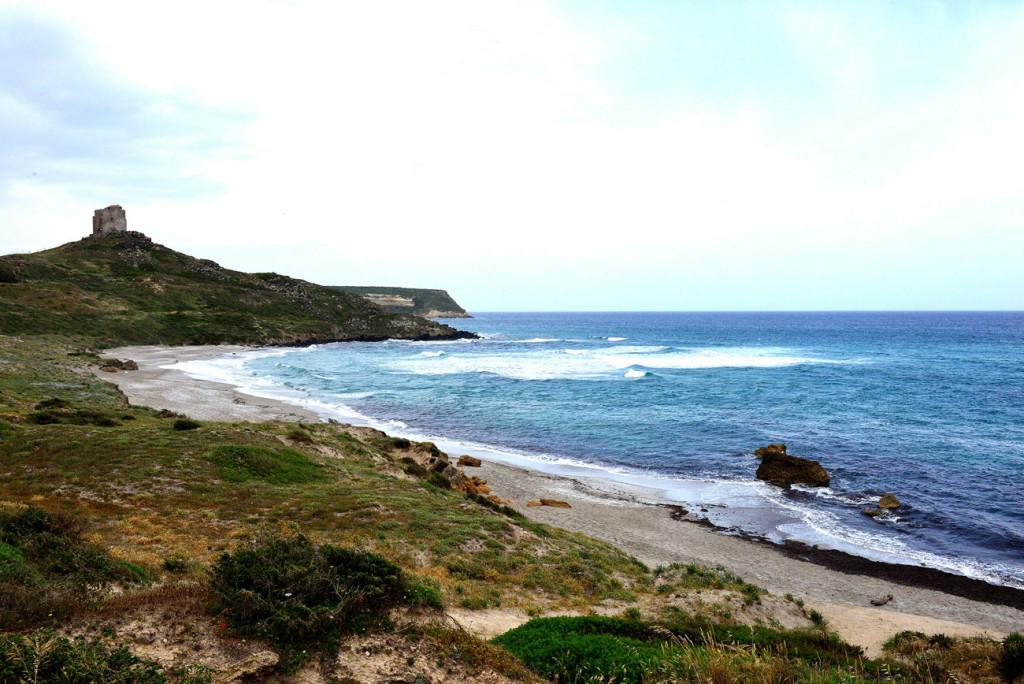 Tharros,-il-sito-sulla-penisola-del-Sinis---le-rovine-sul-mare
